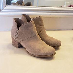 Koolaburra by UGG Sofiya boots size 9.5